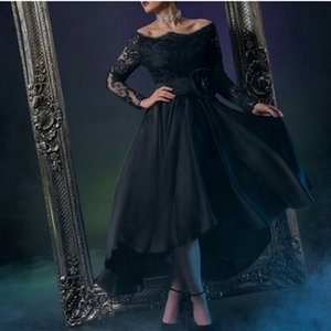 2019 Arabic Dubai Formal Evening Dresses Long Sleeves Bateau Lace Knee Length Modest Black Satin Prom Party Woman Special Occasion Gowns