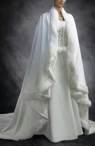 2018 Cheap Vintage Bridal Cape Ivory White Wedding Cloaks Faux Fur For Winter Chrismas Wedding Bridal Wraps Bridal Cloak Court Train Capes