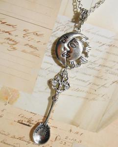 Weinlese-silberne Sun Moon SPOOn bezaubert Kettenaussagen-Choker-Kragen NecklacesPendants Modeschmuck für Frau 10PCS Q543