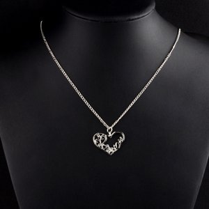 Heart Shape Rhinestone Necklace Womens Korean Pendant Mothers Day Mom Gift Short Clavicle Chain Temperament Wild