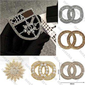 high quality Designer Brooch Diamond Brooches Designer Jewelry Pearl C Letter Brooch Pins Elegant Fashion Women Costume