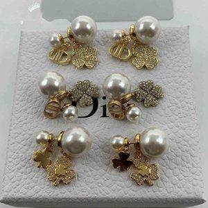 D family earrings   Dijia 21 year new letters lucky clover Diamond Pearl Earrings Fashion Earrings
