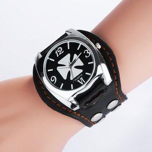 Vintage fresco diseño rock punk estilo calavera relojes hombres cuero banda cuadrada esfera retro remaches retro pulsera cuarzo reloj de pulsera para hombre regalo