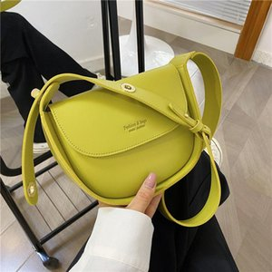 토트 2021 디자인 캔디 컬러 여성 메스 가방 우아한 작은 어깨 숙녀 가죽 손 PU 교차 바디 가방 소녀를위한