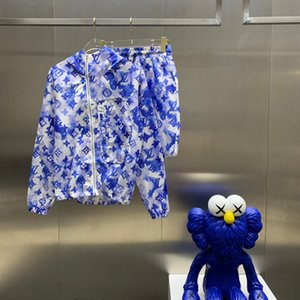 2021SS 봄과 여름 새로운 고급 코튼 인쇄 짧은 소매 라운드 넥 패널 티셔츠 크기 : M-L-XL-XXL-XXXL 색상 : 흑백 MMS2