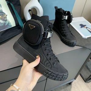 2021 diseñadores Rueda Re-Nylon Sneakers Mujeres Plataforma Casual Zapatos Alto Top con bolsa de combate Botas All-Match Stylist Zapato Lace Up Plan Trainers Q-45