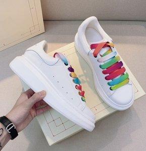 جودة عالية تصميم الفاخرة أحذية الكاحل أحذية رياضية الرجال والنساء الأحذية البيضاء امرأة سميكة أسفل منصة عارضة زوجين الأحذية