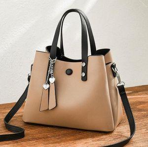 2021 Высокое Качество Женская сумка для женщин Летняя Новая Большая Мода Мягкая Кожаная Сумка