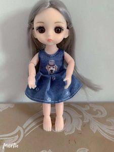 Big-eyed action figures, little dolls, little girls' favorite