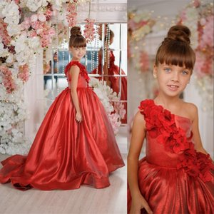 2021 Cute Red Flower Girls Dresses For Weddings One Shoulder Sleeveless Hand Made Flowers Birthday Children Pageant Gowns Sweep Train