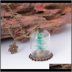 Necklaces 1 Pcs Chic Luminous Christmas Tree Seat Glass Bottle Pendant Necklace Charm Girls Glow In The Dark Jewelry For Women Gifts C S7Pkv