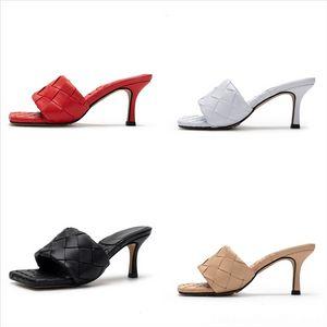 Qdlut Yaz Bayanlar Rahat Sandalet Tasarımcı Terlik Moda Yüksek Kaliteli Harfler Balıkçı Wovenluxurious Saman Ayakkabı Kadınlar