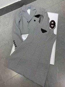 Donne Due pezzi Abito Dress Maglia Tracksuit con maglione a lettere maglione e gonne Set di lana Stile di moda Outwears per Lady Maglioni Bottoms Abiti Abiti Set Taglia S-L