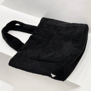 Luxury Designer Italy Brand Tote Beach Bags High Quatity Rabbit Fur Shopping Handbag Classic Shoulder Women Luxurys Designers Large Capacity Bag