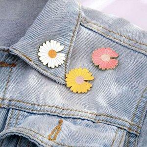 Pins, Brooches Cute Badge White Powder Blue Purple Yellow Sunflower Ladies Brooch Enamel Pin Fashion Jewelry Bag Hat Cowboy Daisy