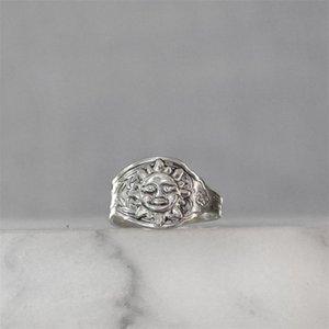 الأزياء الفضة اللون مطلي ملعقة النساء حلقات الكلاسيكية أشعة الشمس شكل خاتم الزواج الرجعية نمط مجوهرات الهدايا