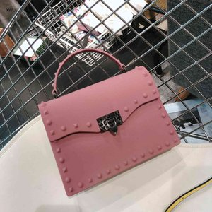 Fashion Outlet HBP Europe and American Handbags Fashion Matte PVC Jelly Bag Trend Color Drill Rivet Handbelt Luxuryflash Shoulder Crossbody