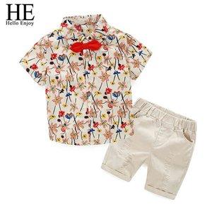 Erkek Bebek Giysileri Kısa Kollu Baskı Çiçek Papyon Gömlek Şort 2 adet Çocuk Giyim Setleri Çocuk Örgün Doğum Günü 210508