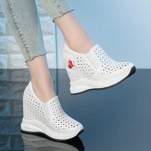 Bayan Hakiki Deri Kalp Baskılı Delikler Yaz Nefes Kama Gizli Yüksek Topuk Sneakers Ayakkabı Hollow Rahat Spor Q0512