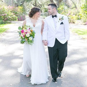 Plus Size Wedding Dresses Spring V Neck Sleeveless Bridal Gowns Lace Chiffon Floor Length Boho Beach Bohemian Custom Made