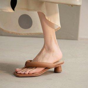 Bayan Kare Tanga Toe Gerçek Deri Garip Topuk Sandalet Terlik Flip Flop Slaytlar Slingbacks Ayakkabı Yaz 2 renkler 2021