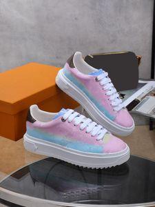2021 المهلة أحذية الأطفال عالية الجودة من حذاء رياضة تصميم مطبوعة أبيض العجل عالية نعل سفلي نمط محفورة العيينة عارضة الأحذية