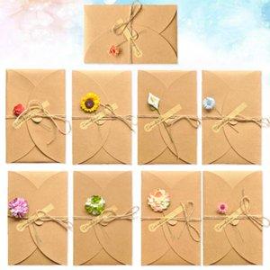 Greeting Cards 9pcs Christmas Gift Retro Literary Small Fresh Kraft Paper Manual Creative DIY Dried Flower Card(Random Style)