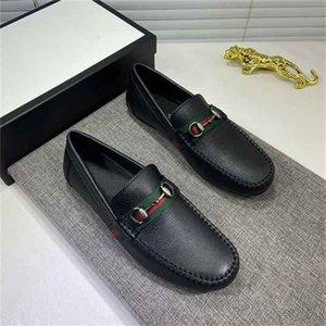 [AVEC BOX] Designer Hommes Casual Chaussures Casual Chaussures Authentique Cowhide Metal Boucle En Cuir Chaussure Mules Prinetown Les hommes piéussent des chaussures de robe paresseuse A02