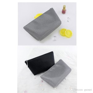And 2021 Latest Minimalist Waterproof Fashion Capacity PU Black Designer-1PC Bag Cosmetic High White Portable Clutch Hlffe