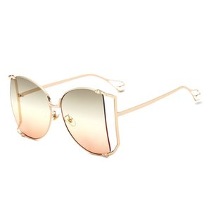 Sunglasses women fashion big box 2021 ms pearl leg metal hollow out dazzle colour sunglasses glasses UV400. 202045