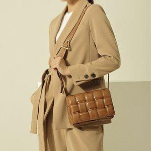 Moda Design exclusivo da cadeia feminina bolsa de couro confortável estilo tecido bolsa minimalista boutique essencial solteiro mensageiro bolsas portáteis bolsas