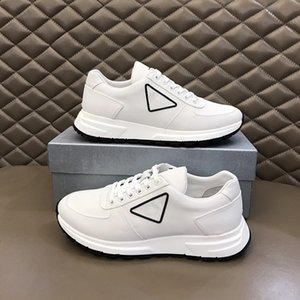 Top brand men's casual breathable fabric mesh flat shoes designer women's color stud flat shoes thick soled sports shoes RD366