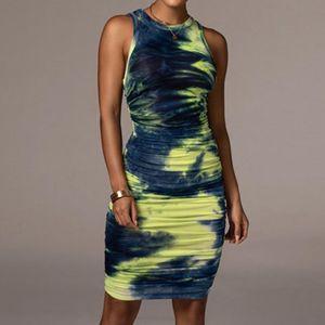 Повседневные платья Slim-Cut Платье Цветочные напечатанные привлекательные Женщины Сексуальная Свяжитесь без рукавов O-HEE ежедневно Носить