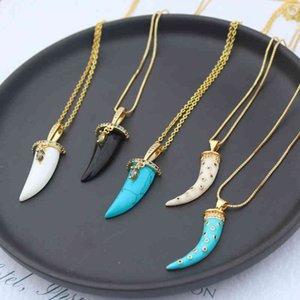 Ожерелье Rainbow CZ Micro Pave Луна Подвеска Для Женщин Мода Золото Красочные Циркония Заявление Choker Horns Ювелирные Изделия