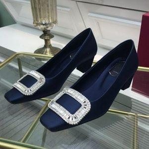 Tacchi alti di lusso europei rossi in modo da stilista Bottom Blue Blue Kate Red Nude Leather Shoes Shoes Flat Flat Head Fashion Heel Gonna 35-40