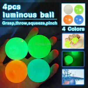 1-4pcs Squeeze Toys Lumineux Sticky Wall Balls Stress Stress Soulagement Fidget Toy Antistress Squishy Drôle Adulte Enfants Cadeau