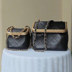 Luxury Womens One Shoulder Messenger Bag Small Fragrance Handmade Square Buckle Designer Box Diamond Chain Bags Case