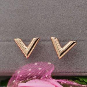 E1-304a Fashionable New Three-dimensional Letter v Titanium Steel 18k Rose Gold Earrings