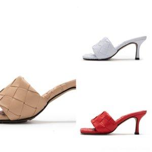 7ZDE4 Flop Stil Lüks Paris Kaydırıcılar Erkek Bayan Yaz Sandalet Plaj Terlik Flip Star Loafer'lar ile Siyah Tasarımcı Düz Ayakkabı Kadınlar
