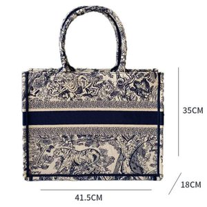 2021 classic embroidered tiger pattern large capacity handbag luxury big brand shopping bag handmade double-sided flower