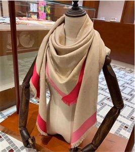 Yüksek kaliteli kadınlar mevsim sonbahar ve kış sıcak ipek yün eşarp altın ürünleri 3 renk tasarım stili toptan olabilir