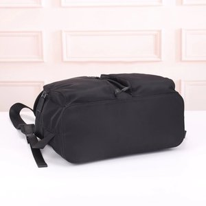 Dicky0750b Wholesale classic waterproof nylon large capacity backpack Oxford spinning fashion retro men's notebook backpack fashion thin travel bag