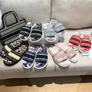 Женщины хлопчатобумажные вышитые обратные Jouy печатные тапочки мода плоские пляжные сандалии топ дизайнерские дамы скользиты тапочки сандалии с коробкой размером 35-41