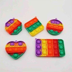 Arco-íris Simples Dimple Chaveiro Push Pop It Fidget Bubble Keychain Cartoon Sensory Toys Divertido Divertimento Divertido Puzzle Squeeze Ball Charms G36JFYV