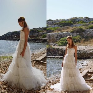 Sexy Strapless Boho A Line Wedding Dresses Sleeveless Appliqued Lace Tiered Wedding Gown Backless Beach Custom Made Vestidos De Novia