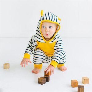 Nouvelle mode 2pcs Casual Baby Unisexe Vêtements Ensemble Nouveau-né bébé Bébé Baby garçon fille à capuche Sweat à manches longues Sweatshirt à rayures de pantalons à rayures 720 S2