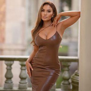 Partykleider 27362P Hosenträger Lederrock für Damenmode, eng, sexy, offene Brust, elegant und großzügiger Bankettpartystil