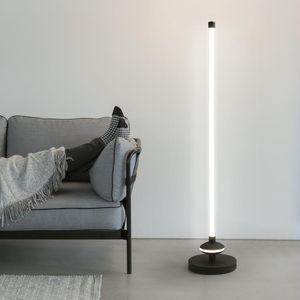 Floor Lamps Minimalist Nordic Led Lamp Living Room Bedroom Vertical Bedside Creative Eye Protection Ights 360° Glow Standing