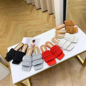 2021 European Classic Luxury Style Women's Slippers,fashion shoes sexy Sandals, Flat-soled, Rubber Bottom, More Color