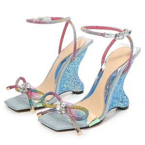 2021 Tasarımcılar Kadın Gladyatör Sandalet Kama Yavru Yüksek Topuklu Elmas Ilmek Düğün Alev Bayanlar Parti Ayakkabı Yaz Toka Kedi Yürüyüş Boyutu 34-41